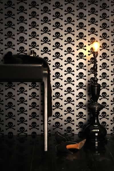 Skull Wallpaper - Creepy Chic Halloween Decor