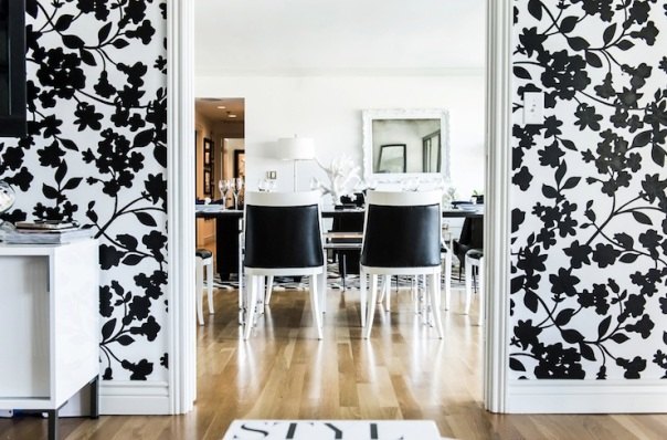 Black & White Floral Dining Room Decor