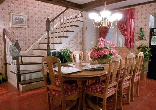 Home Alone Movie Decor - Kitchen Kevin's House
