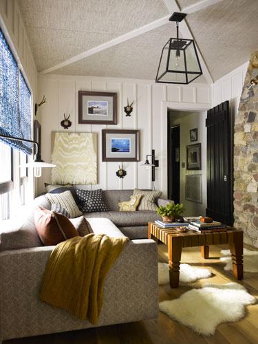 Casual Cozy Media Room Decor