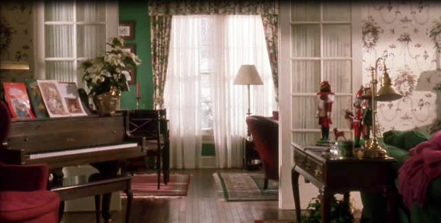 Living room home alone movie interior decor