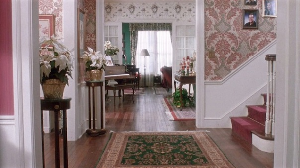 Home Alone Movie Decor - Foyer