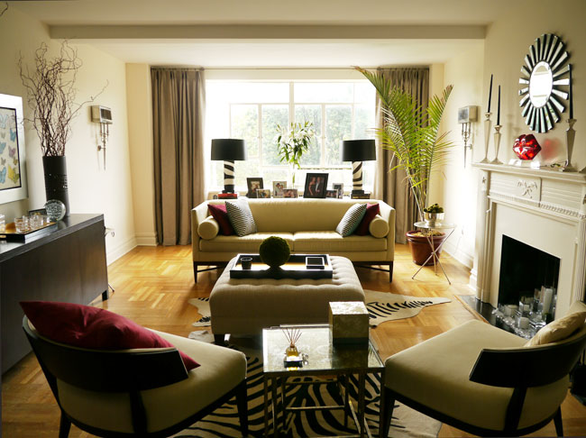Real housewives of new york city a look at the homes of for Living room decorating ideas nyc