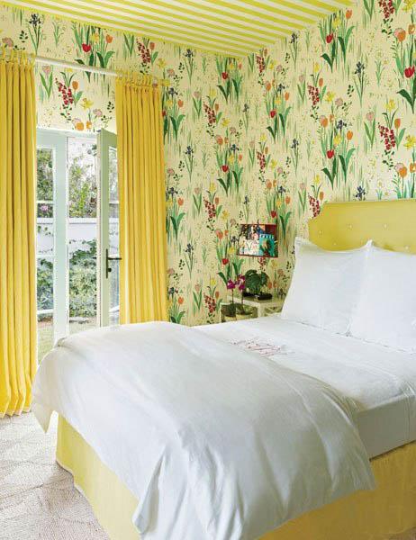 floral retro wallpaper bedroom interior decor