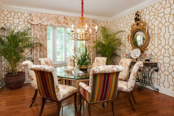 Kemble Interiors - Palm Beach dining room with trellis wallpaper