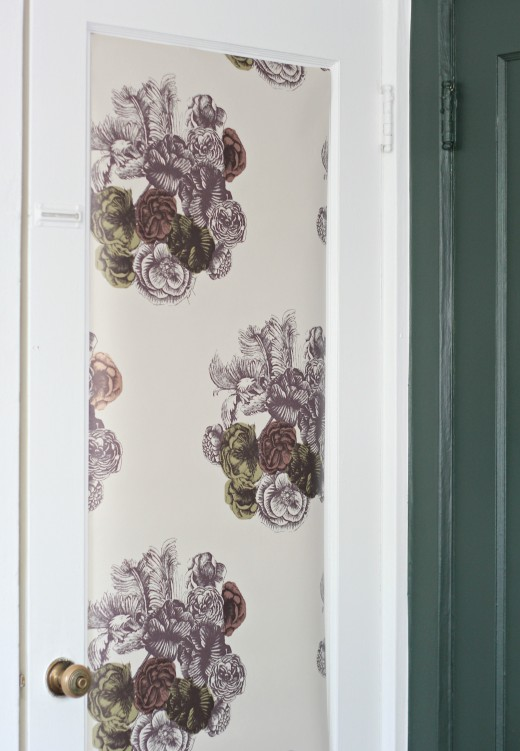 Simply Grove - Cole and Son Peonie wallpaper in Beige - One Room Challenge 2015